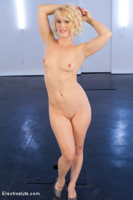 ash hollywood naked