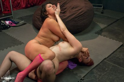 Submission wrestle gay