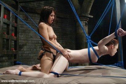 fully naked women in full throttle saloon