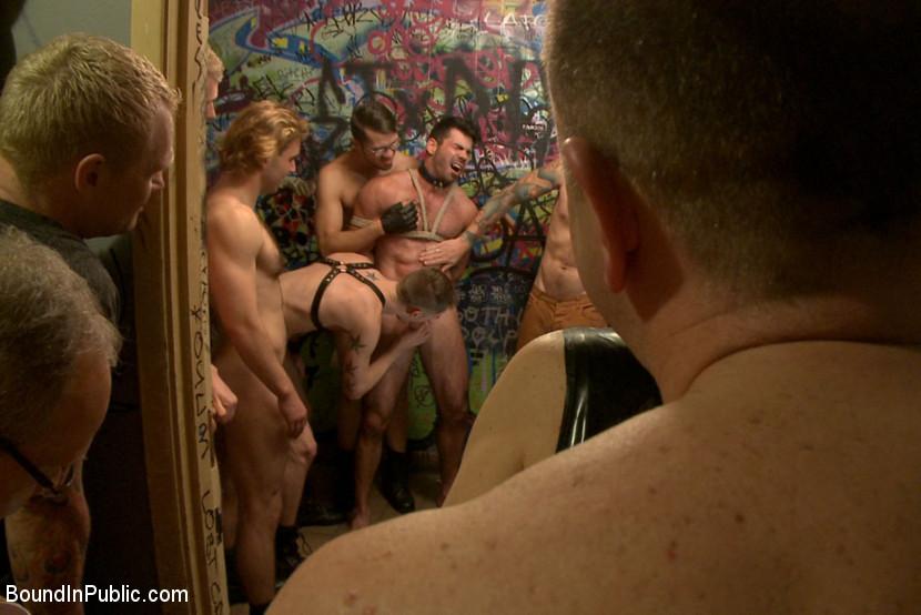 gay bondage geschichten public bondage