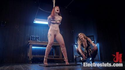 Mona Wales Anally Electrofucks Hot Redhead Barbary Rose!