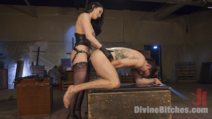 Veruca James Presents: Divine Pet Obedience Training 101