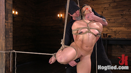 New Pain Slut Proves her Worth to The Popes High Expectations