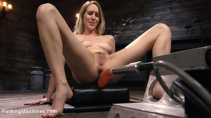 All natural blonde babe cadence lux squirts all over fuck