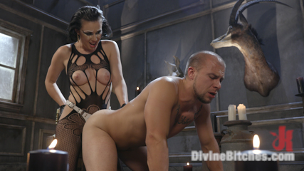 Vagina Dentata: Olive Glass Unleashes Her Perfect Cunt Onto Slave Meat