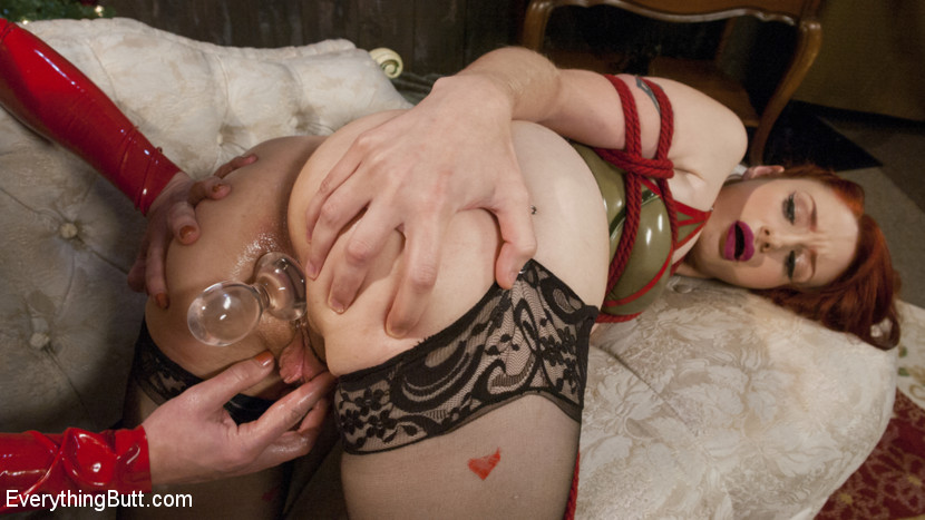 A Very ANAL Christmas with Dee Williams and Violet Monroe