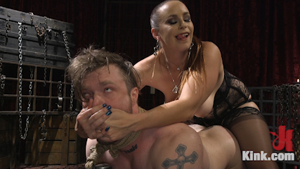 Gorgeous Sadist Bella Rossi Torments An Unsuspecting Mike Panic