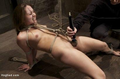 stuff Woman clit torture