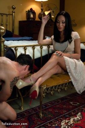 butt-naked-mia-isabella-ass-licked-video-masturbation-videostures-rachel