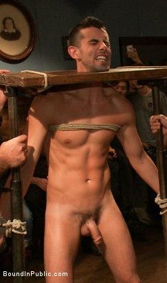 Male massage turns gay