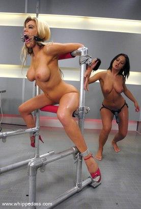 Amatuer threesome sex videos