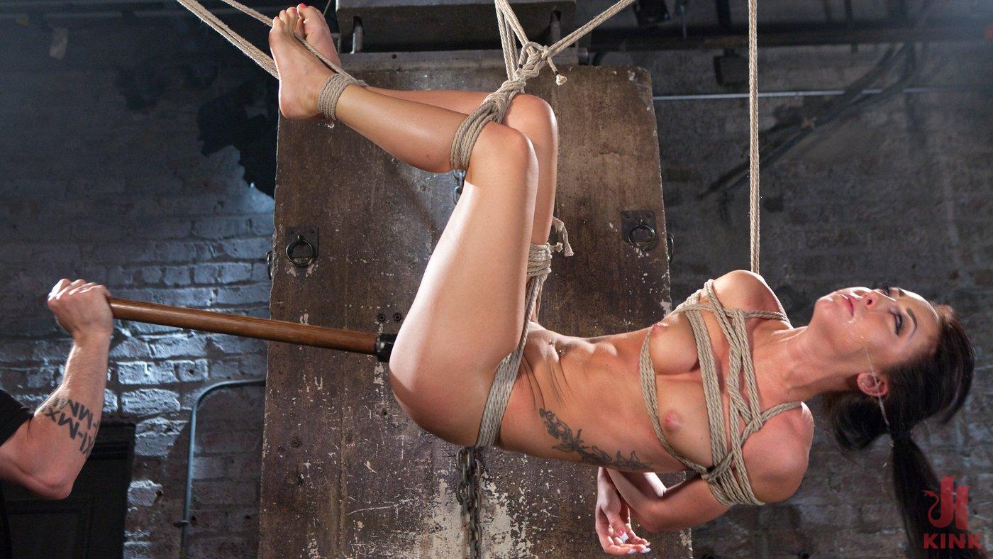 Sabrina Banche usato e abusato in Hardcore Bondage (Kink)