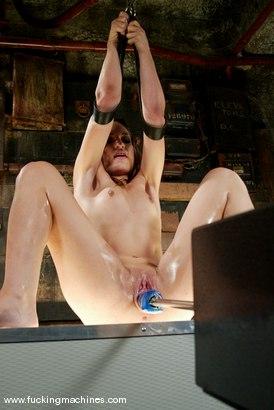 Nude Pix HQ Deep throat jeans