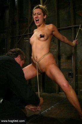 Gwen diamond bondage video