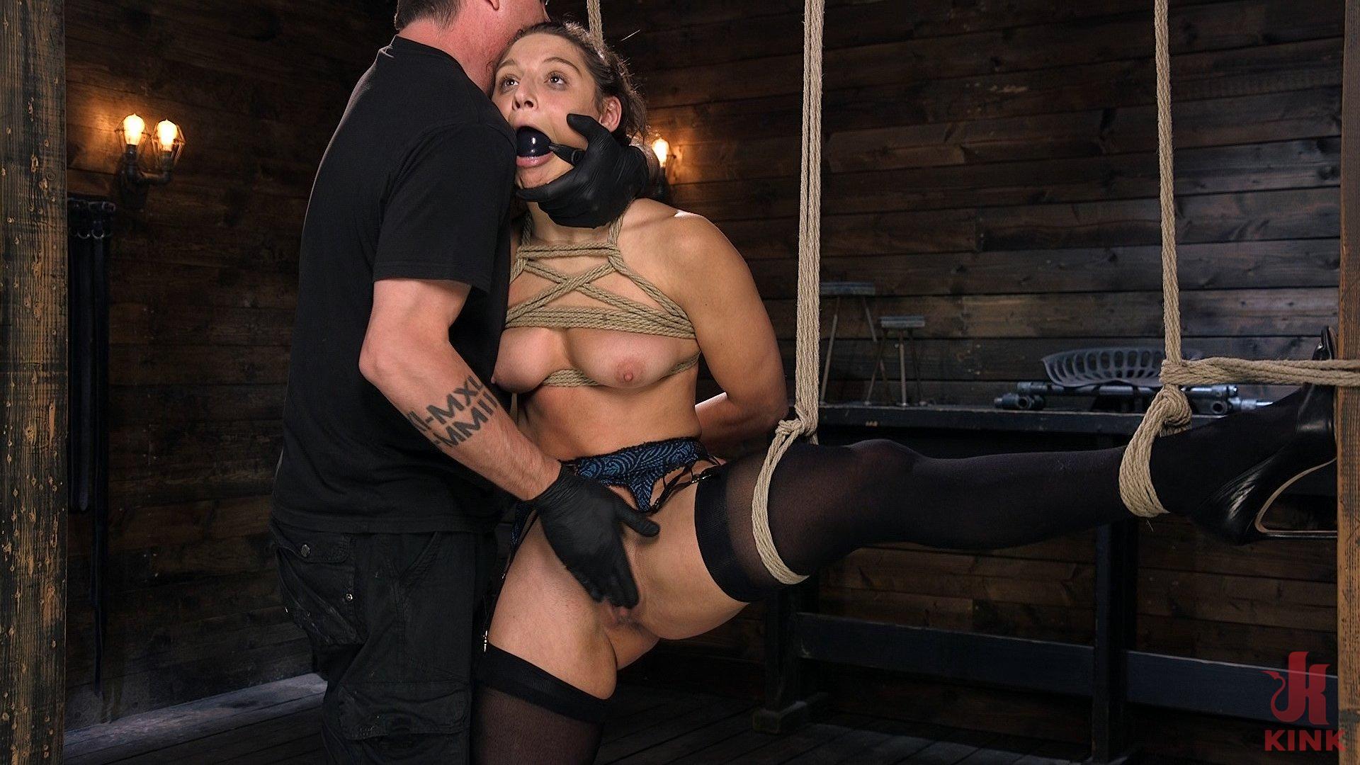 Corpo caldo Abella Pericolo Disciplined e fatto Sperma in Bondage di corda !! (Kink)