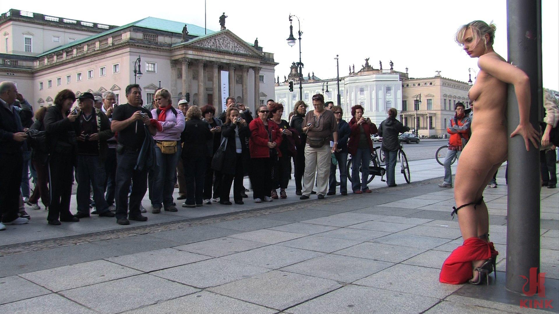 public disgrce sklavin kiel