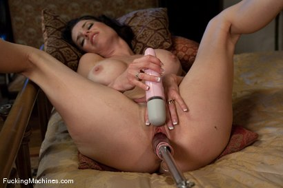 Txt struggle into her semen pussy